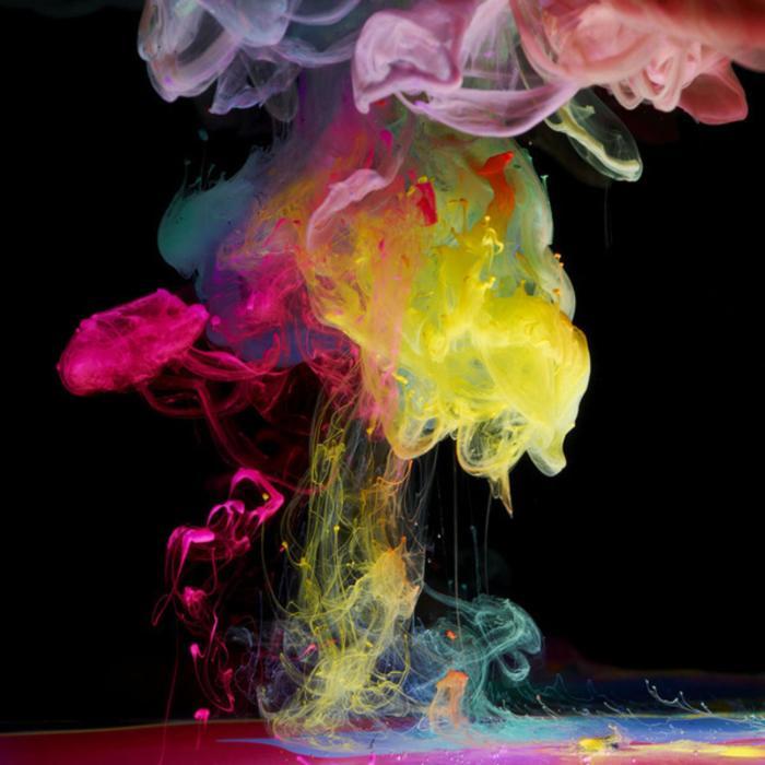 Известный фотограф показал к чему приводят игры с водой и красками