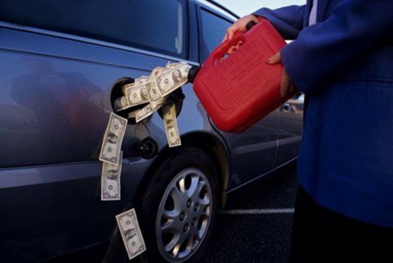 Эксперт о поднятии цен на бензин:нужно готовиться к европейской стоимости.А к европейским зарплатам?