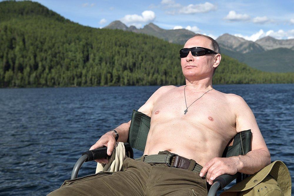 Как Путин щуку ловил?