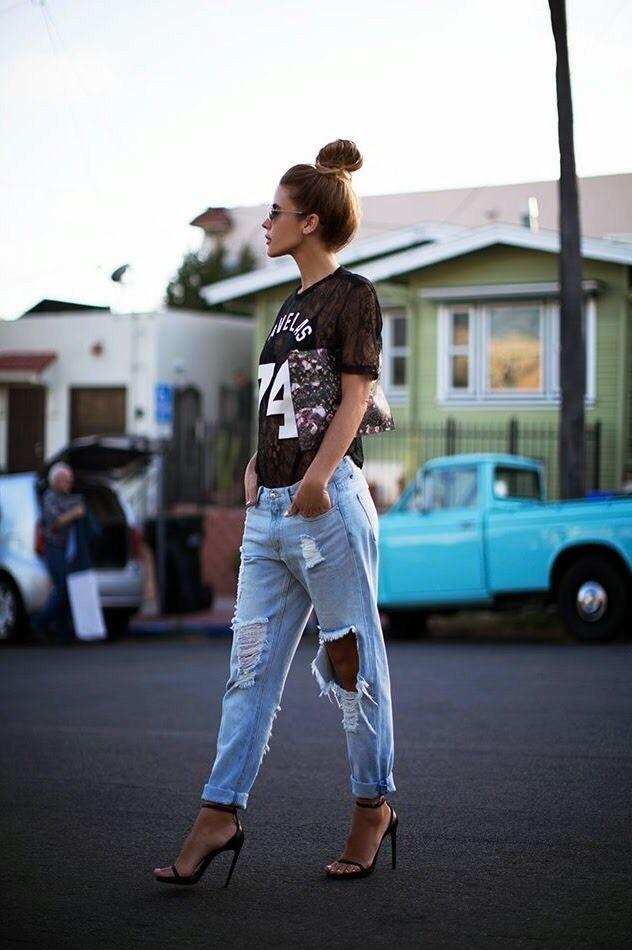 С чем носить рваные джинсы?