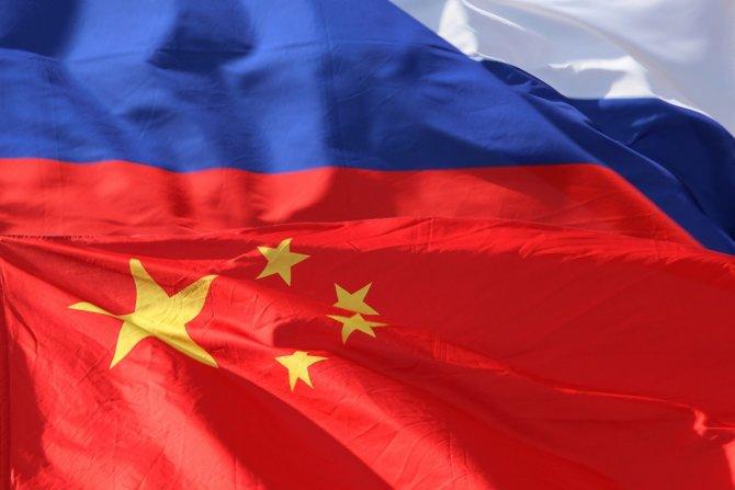 Медведев: Россия и Китай могут поспособствовать развитию торговли на международном уровне
