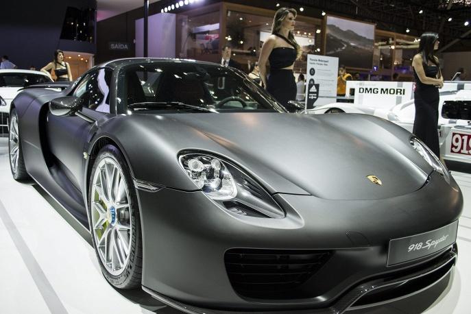 Гибридный суперкар Porsche 918 Spyder