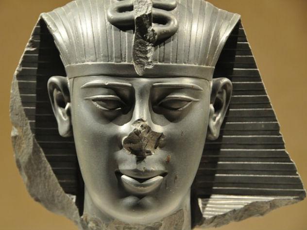 Голова фараона подтвердила подлинность Библии