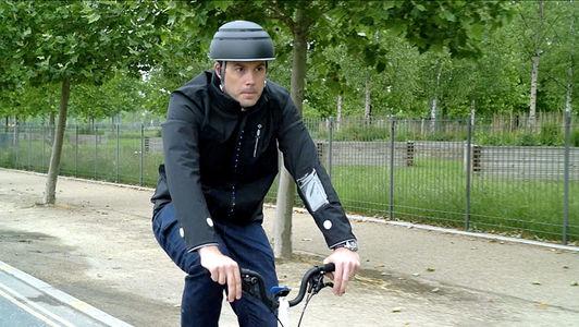 Ford разработал куртку для велосипедистов с поворотниками, стоп-сигналами и вибратором