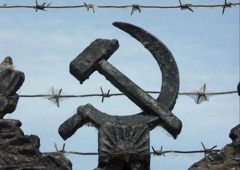 СССР виноват лишь в том, что не расстрелял отца Порошенко