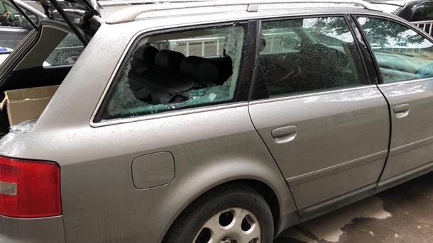 В автомобиль украинского «ак…
