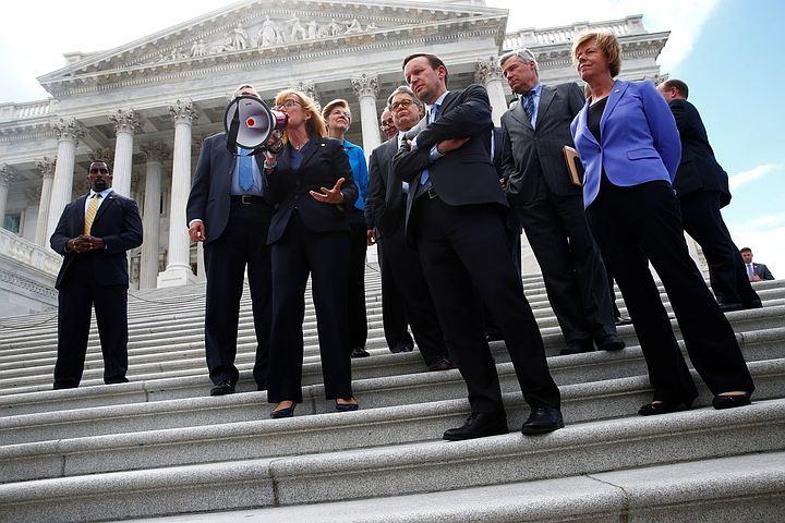 Сенат США снова отклонил план по замене Obamacare