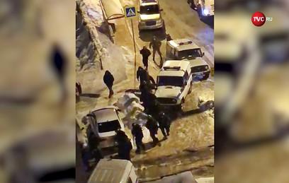 В Казани мужчина открыл стрельбу по прохожим из окна, один человек погиб