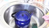 Этот чайник не мыли 10 лет. Супер эффективно отмыть за 10 минут.