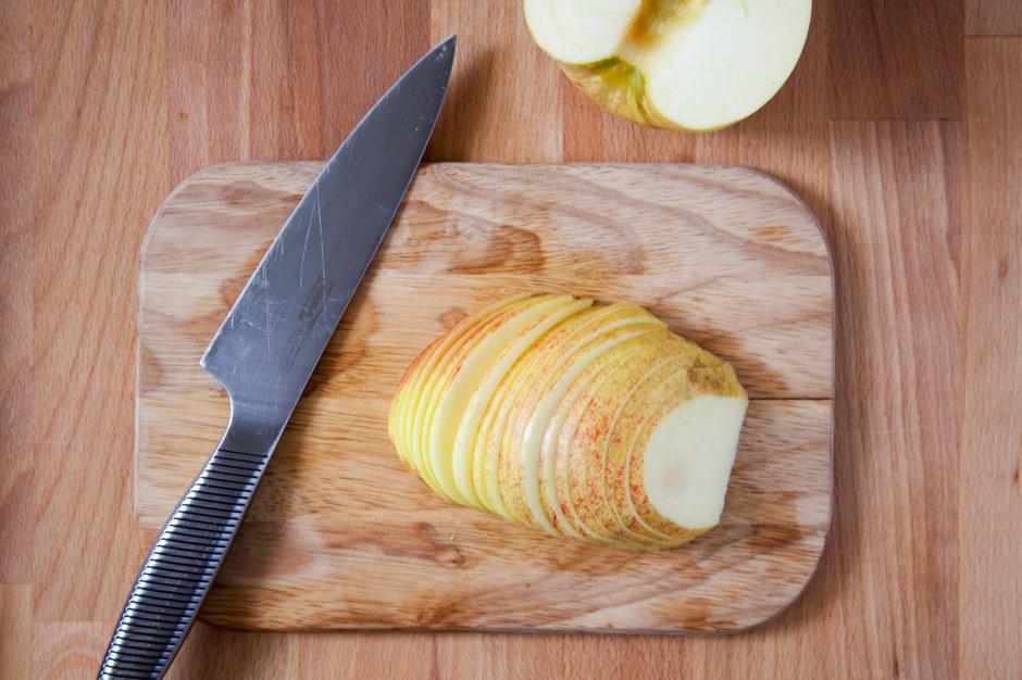 Творожная галета с яблоком и корицей