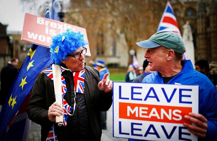 СМИ: провал голосования по Вrexit погрузит Великобританию в хаос и лишит Терезу Мэй поста
