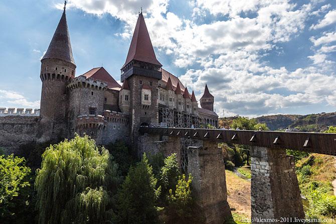 «Замок Ворона» и «замок Дракулы»