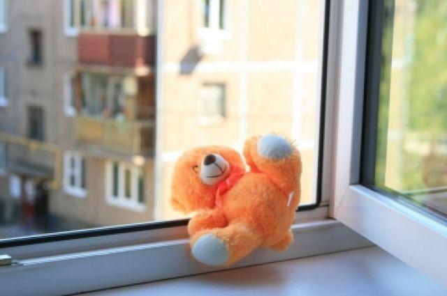 В Одинцове полуторагодовалый ребенок выжил, упав с 13-го этажа