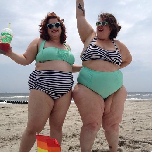Как сделать фото на пляже для полных