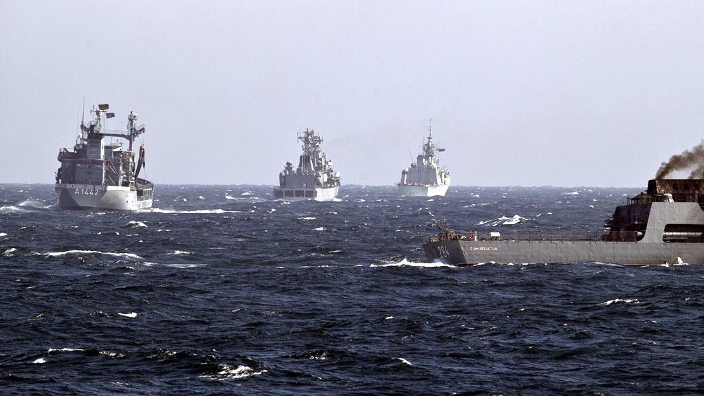 Украинские ВМС провели маневры с кораблями НАТО