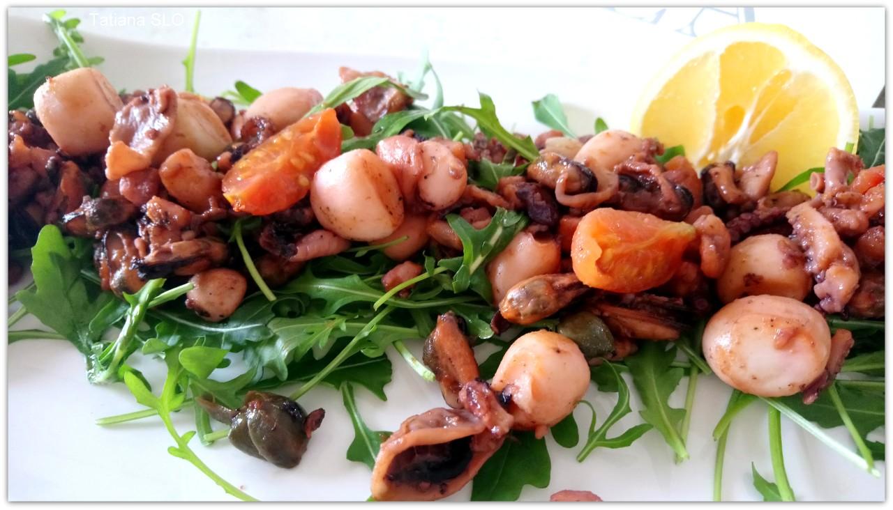 Горячая закуска из морепродуктов