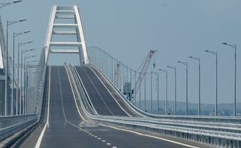Крымский мост простоит как минимум 100 лет, гарантируют строители