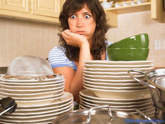 Вопрос дамам: немытая посуда