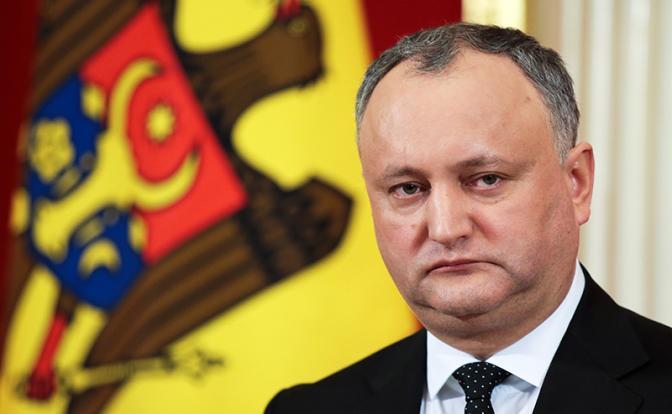 Молдавского президента задвинули из его кабинета