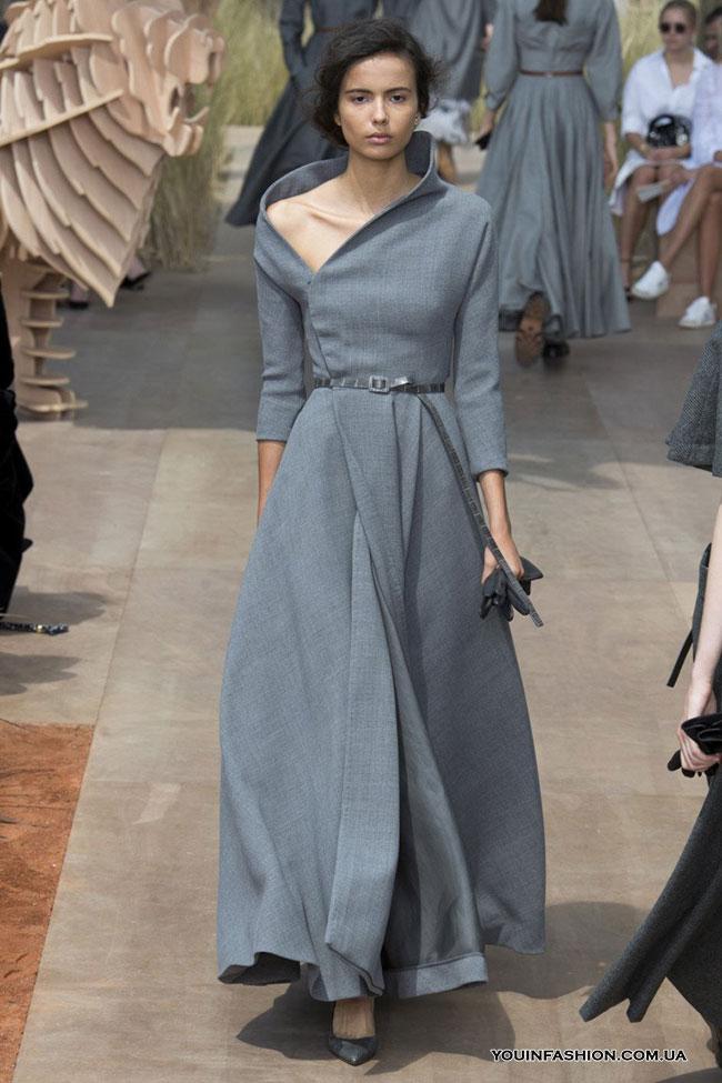 Нейтральный серый — главный модный цвет этой зимы