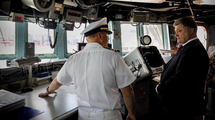 В Киеве заявили, что РФ ответила на угрозы Порошенко по Азовскому морю