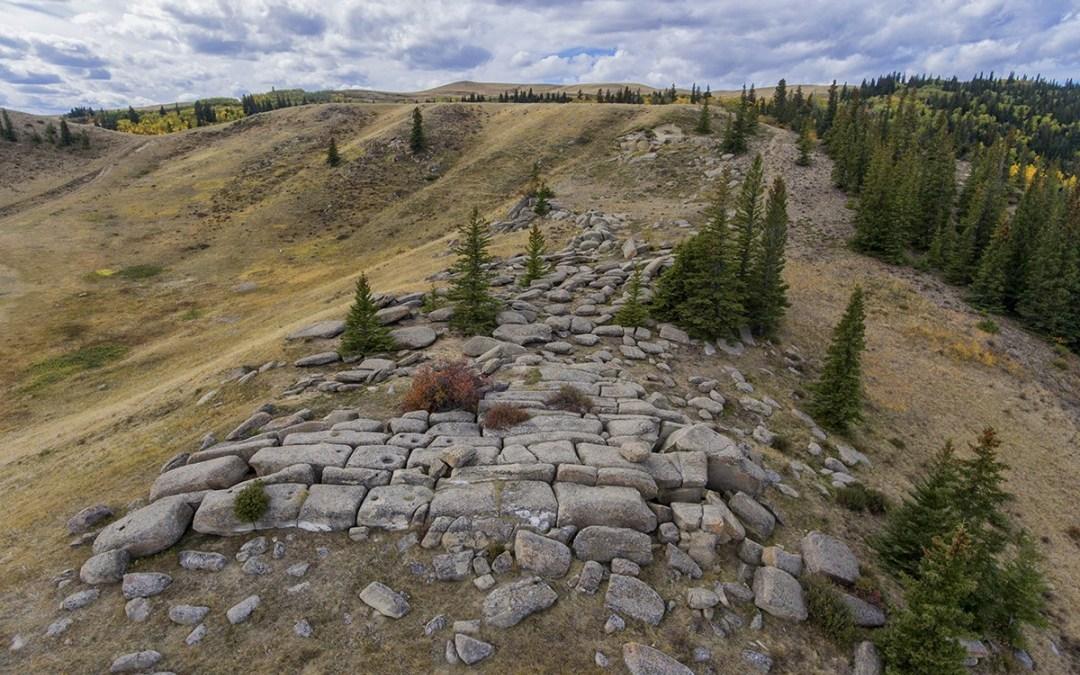Тайна древних  мегалитов  горы Саскатчеван. Канада