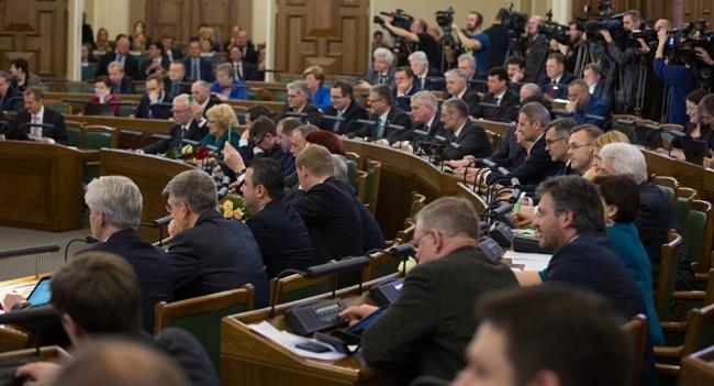 Парламент Латвии требует отРоссии освободить Олега Сенцова