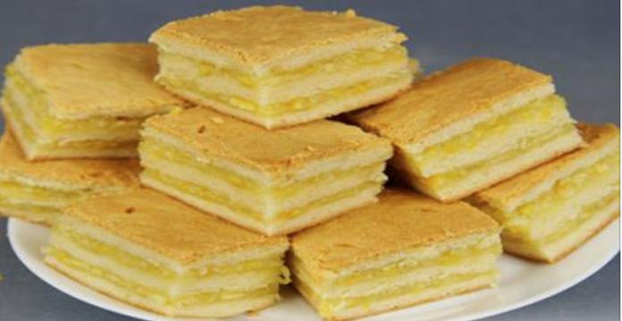 Нежнейшее пирожное с лимонно-апельсиновой начинкой.