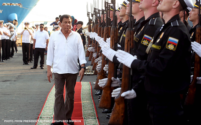 Президент Филиппин побывал на крейсере «Варяг»