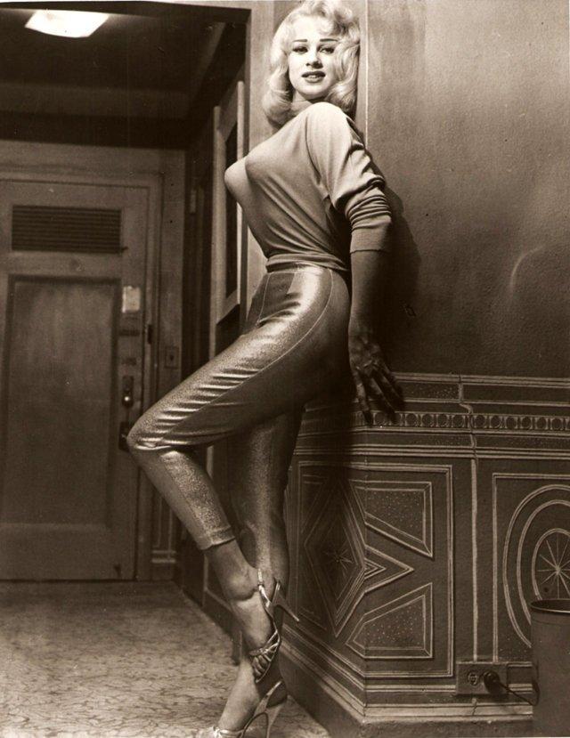 Мода 50-х, когда женщины нос…