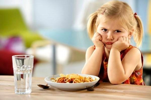 Ребенок плохо ест: причины и как поступать в данной ситуации