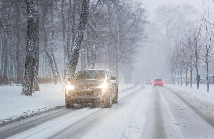 Как вести себя на зимней дороге и о каких нюансах не стоит забывать?