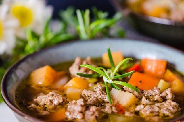 Суп «с градусом». Пять необычных рецептов первых блюд с алкоголем