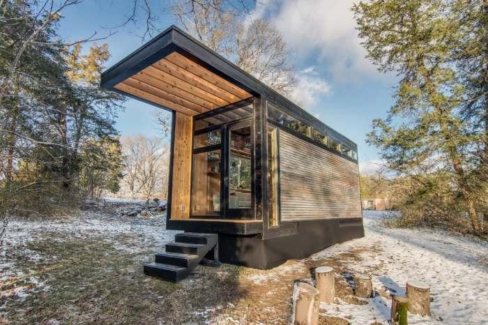 Дом размером с контейнер, которому найдется место даже на крошечном дачном участке