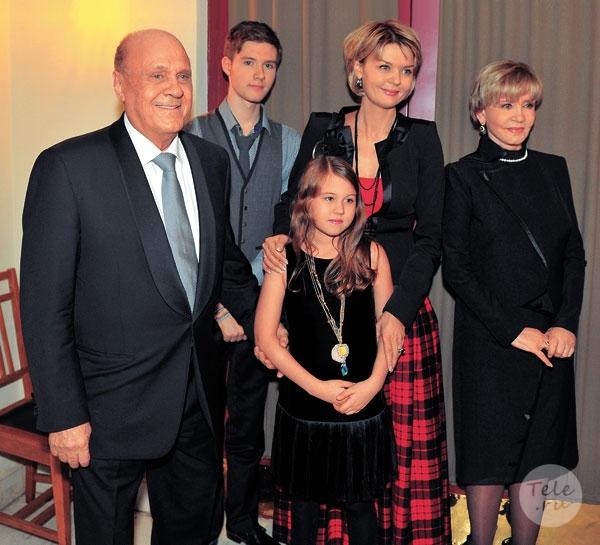 Юлия меньшова рассказала о проблемах с сыном андреем.