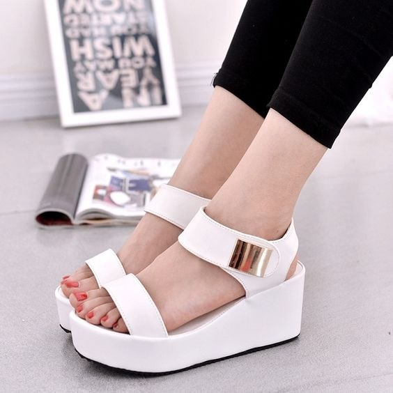 8 пар модной открытой обуви на лето 2018