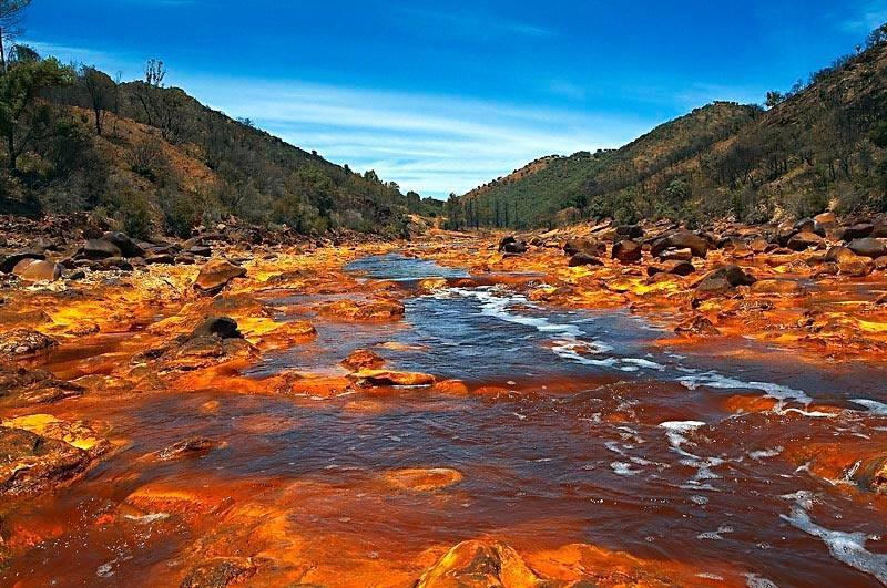 Рио Тинта: «марсианская» река на Земле