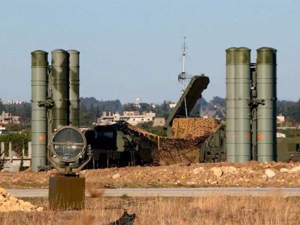 Россия обвинила США в атаке на свою авиабазу