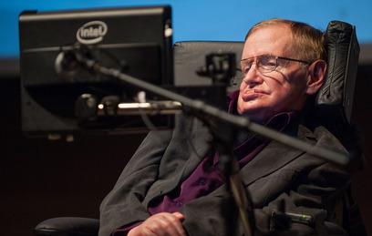 """Физик Стивен Хокинг хочет сыграть злодея в """"бондиане"""""""