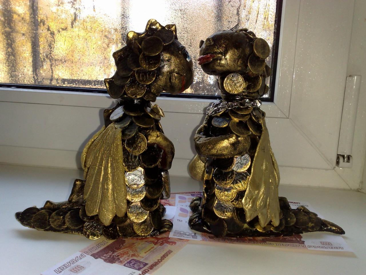 """Моделирование. Бутылки """" Семейка золотых драконов""""."""