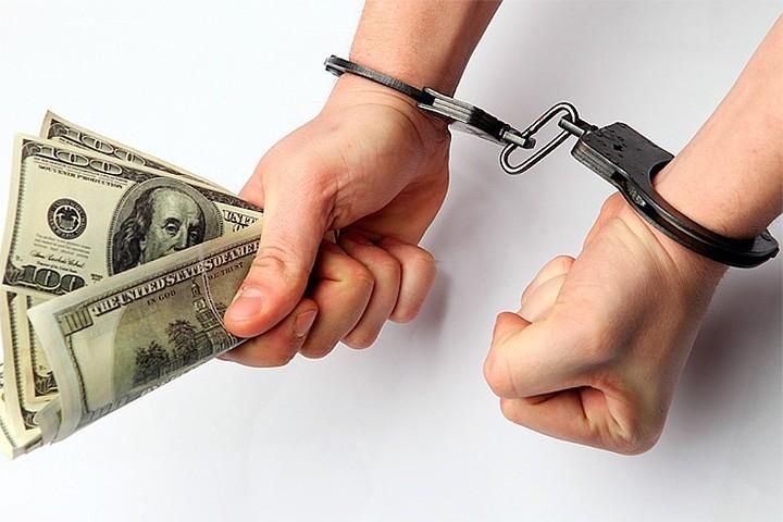 В России за 2017 год осудили почти 10 тысяч коррупционеров