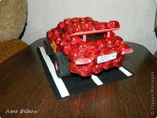 Мастер-класс Свит-дизайн День рождения Моделирование конструирование Молния Маквин из конфет Бумага гофрированная фото 10