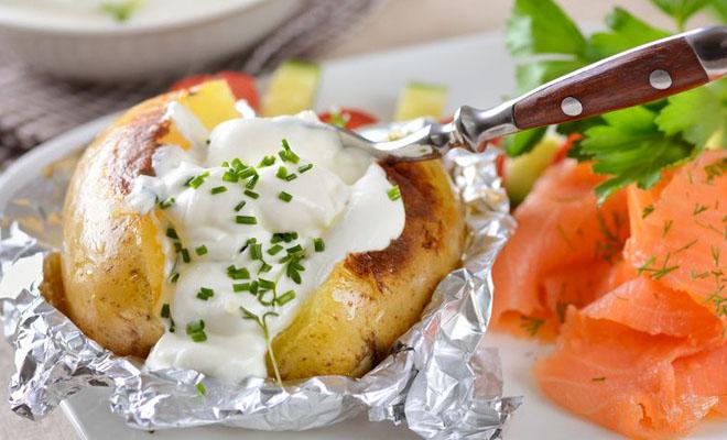 Печеный картофель на каждый день: 7 вкусов