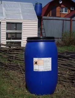 Централизованный полив огорода с помощью бочек. Как соединить все бочки в одну емкость