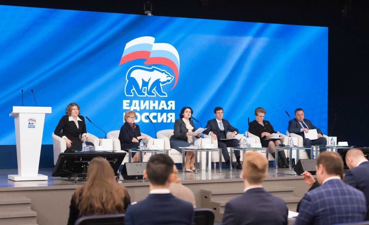 Единороссы не спешат отказыв…