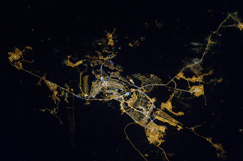 918 Ночь на планете: 30 фото из космоса