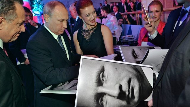 Wall Street Journal советует Западу «добить» Путина, пока он в панике