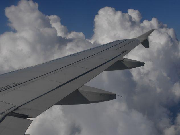 Пилоты во время перелета на Камчатку сняли гарнитуры и остались без связи