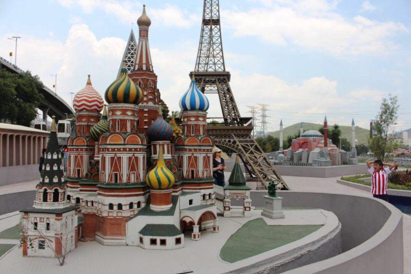 Миниатюрные модели известных достопримечательностей со всего мира в одном месте.