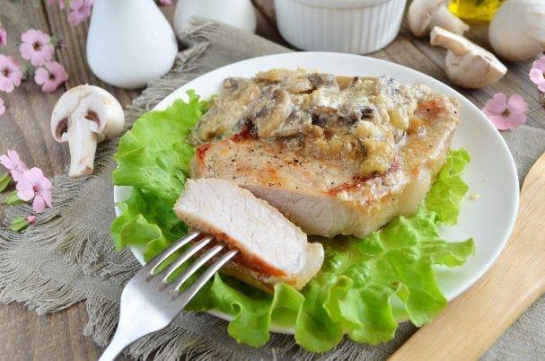 Картинки по запроÑу ÐевероÑтно Ñытное, ароматное и вкуÑное мÑÑо под грибами в Ñливочном ÑоуÑе